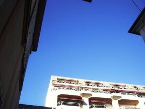 ciel bleu vu de mon balcon