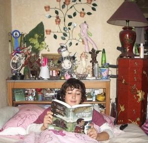 flo et Harry Potter, dans mon lit, ce matin 26/10/2007