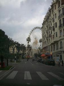La grande roue vue de la promenade des anglais