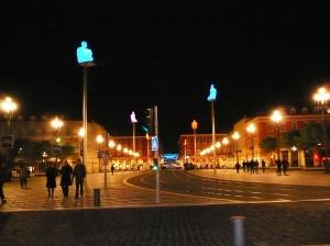 Place Masséna, au fond avenue J. Médecin et les illuminations de Nice Etoile