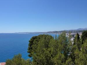 Vue de la baie de Nice du haut de la tour Bellanda