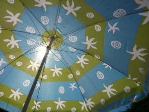 Soleil à travers mon parasol