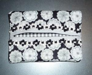 Pochette-mouchoirs