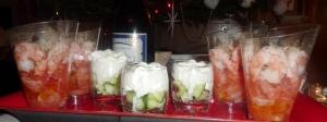 Verrines tomates - crevettes & graines germées, concombre & petite chantilly salée